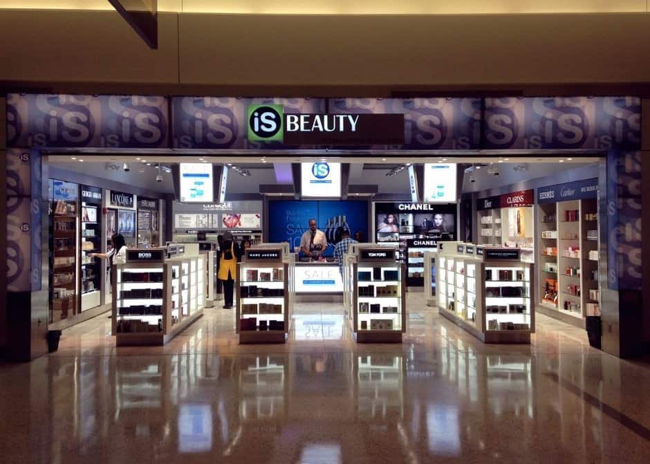logan_airport_retail_shop